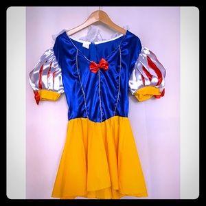 Snow White costume - Size Small
